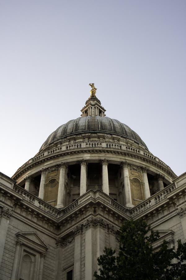 Download Sanktt Pauls Domkyrka, London, England Arkivfoto - Bild av monument, briten: 27286850