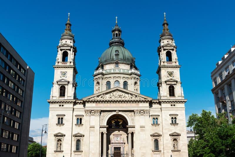 Sanktt Stephens Basilica i Budapest royaltyfri bild