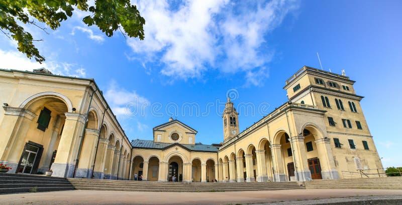 Sanktuarium Nostra Signora della Guardia blisko genuy zdjęcia stock