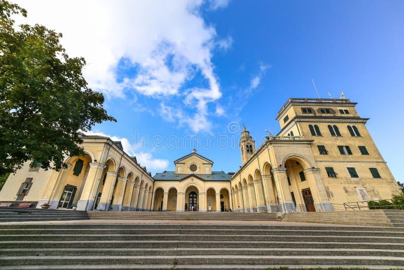 Sanktuarium Nostra Signora della Guardia blisko genuy obraz stock