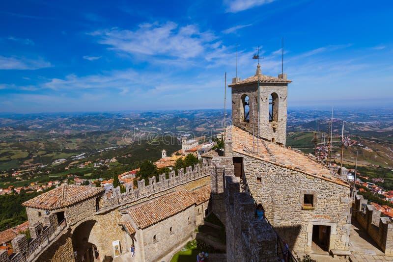 Sanmarinsk slott - Italien arkivfoto