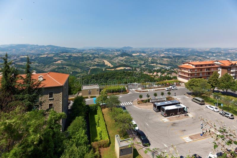 Sanmarinskt landskap och Italien arkivfoton
