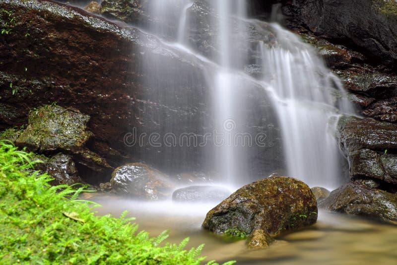 从Sanmin棒洞的流动的水在复兴区,桃园,台湾 免版税图库摄影