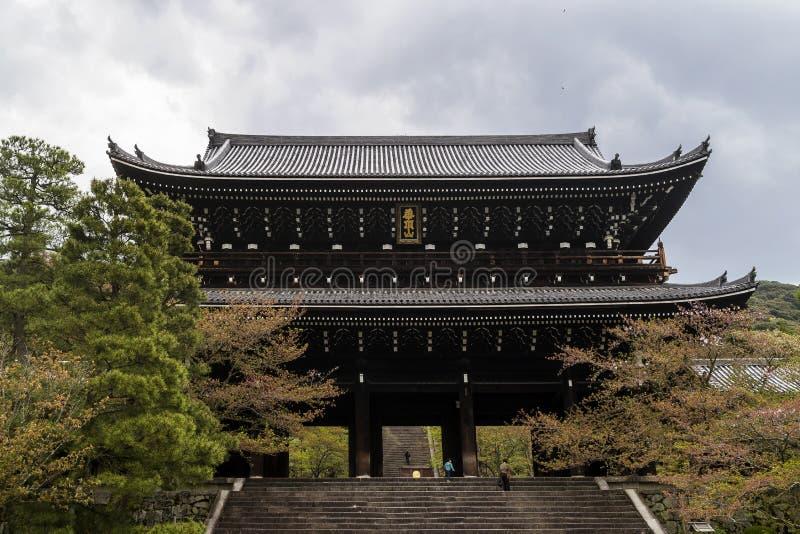 Sanmon, kolossale hoofdingangingang aan de chion-binnen Tempel in Kyoto, Japan royalty-vrije stock foto