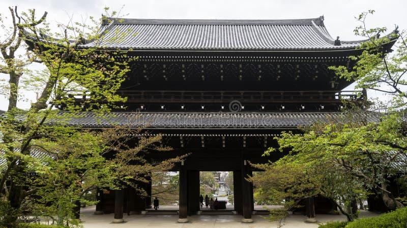 Sanmonen, kolossal maingateingång till Chion-i templet i Kyoto, Japan royaltyfria bilder