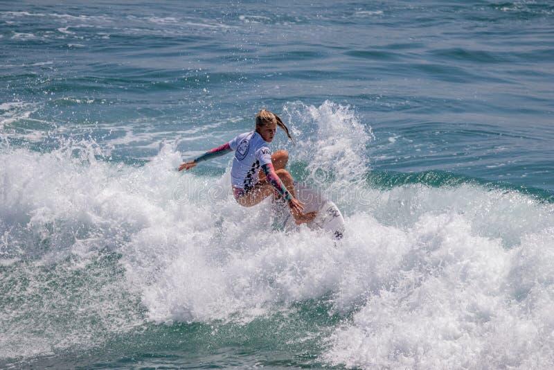 Sanoa Dempfle-Olin surfing w samochodów dostawczych us open surfing 2019 obraz royalty free