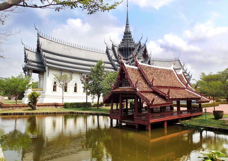 Sanphet Prasat slott, Muang Boran, forntida stad Siam, Samut Prakan landskap, Bangkok, Thailand royaltyfri foto