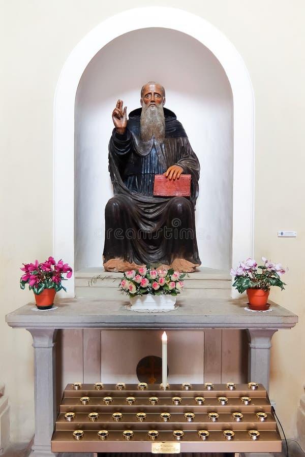 SANSEPOLCRO, ITALI? Binnenland van katholieke kerk Chiesa Di Sant ` Antonio Abate stock foto's