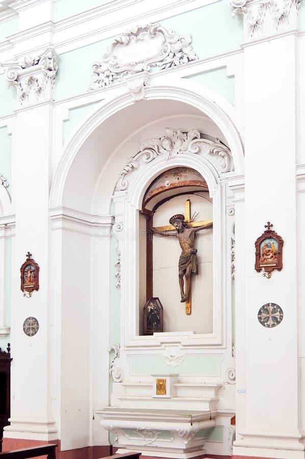 SANSEPOLCRO, ITALI? Binnenland van katholieke kerk in Sansepolcro Santa Maria Della Pieve stock foto's