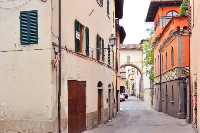 SANSEPOLCRO, ITALI? Weergeven van de Sansepolcro-straten stock foto's