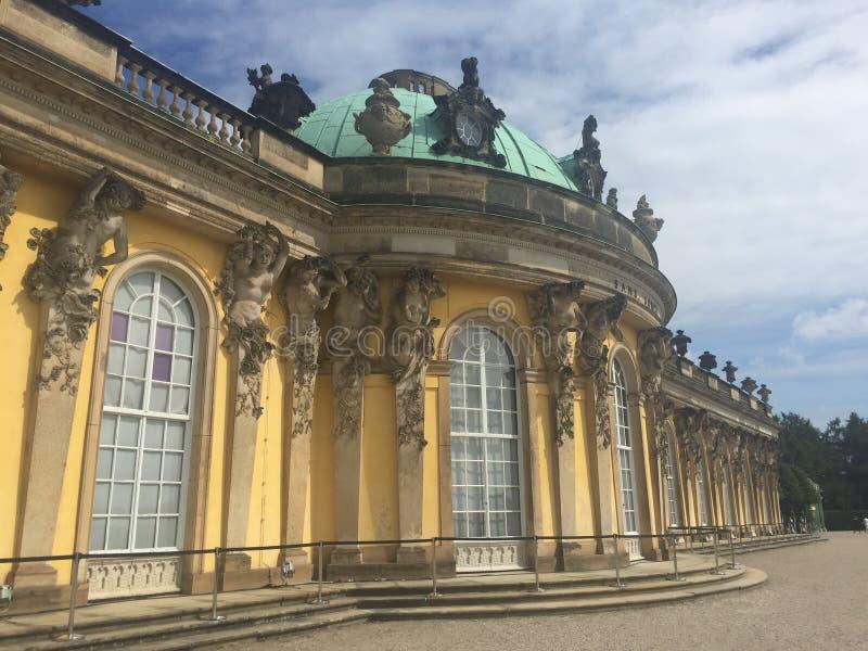 Download Sanssouci slott fotografering för bildbyråer. Bild av traditionellt - 78730829