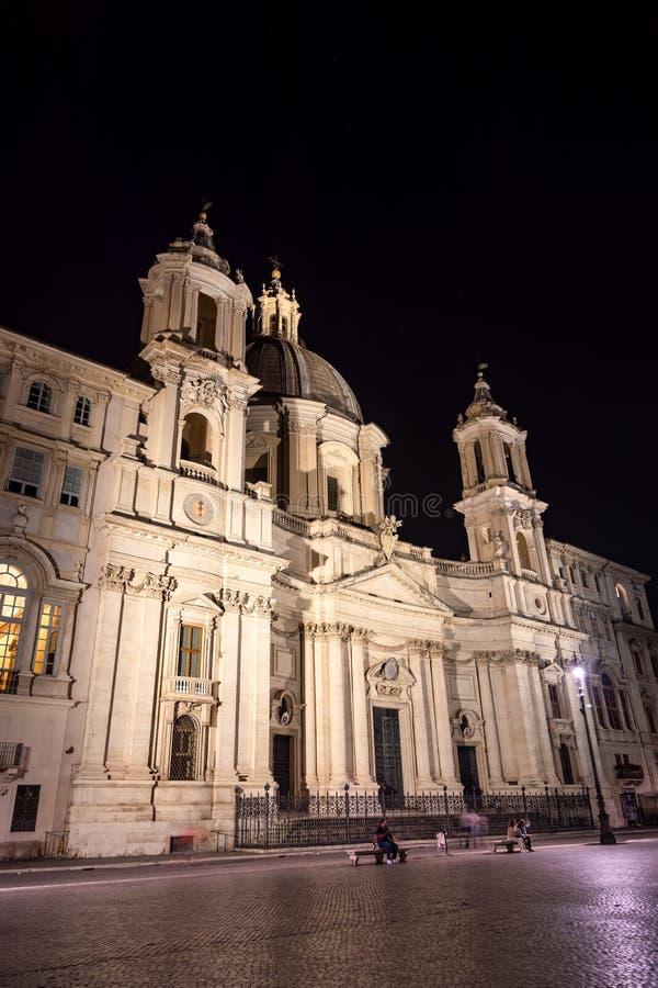 Sant Agnese Church in Piazza Navona bij nacht - Rome, Italië royalty-vrije stock afbeelding