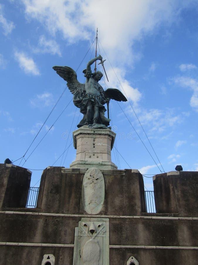 Sant Angelo. Estatua de el castillo de Sant Angelo, bello lugar Statue of the castle of Sant Angelo, beautiful place stock photos