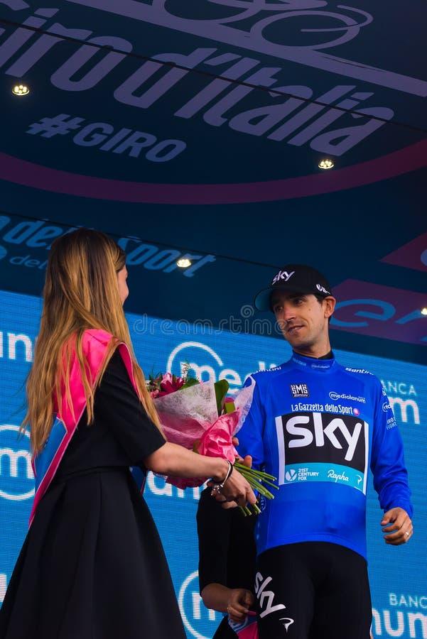 Sant Anna, Italië 28 Mei, 2016; Mikel Nieve, hemelteam, in blauw Jersey op het podium na het winnen van de classificatie van best stock foto's
