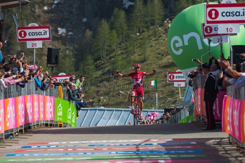 Sant Anna, Italien am 28. Mai 2016; Rein Taaramae, Katusha-Team, erschöpfte Durchläufe die Ziellinie und gewinnen eine harte Berg lizenzfreie stockfotografie