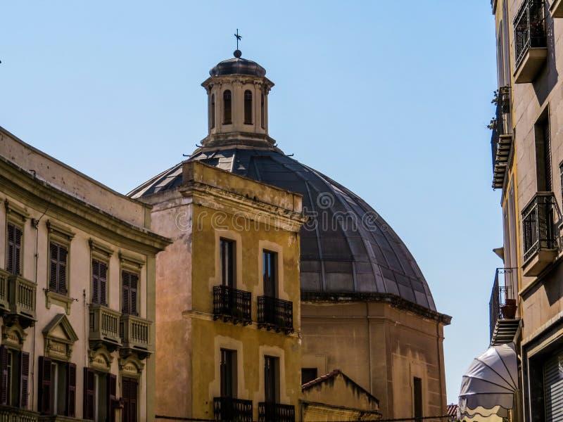 Sant'Antonio притухает церковь в Кальяри стоковое фото rf