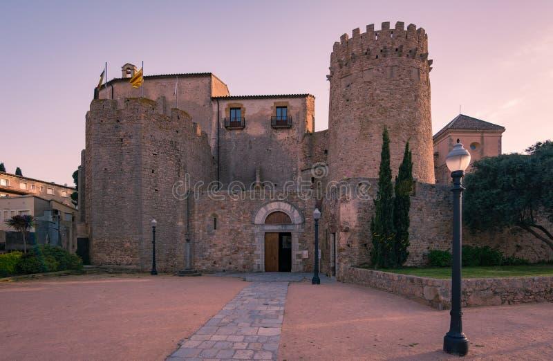 Sant Feliu de Guixols Monastério em Costa Brava, província Girona, Espanha imagem de stock royalty free