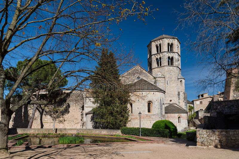 Sant Pere de Galligants Monastery em Girona foto de stock