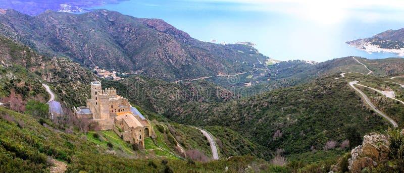 Sant Pere de Rodes em Catalonia imagens de stock royalty free