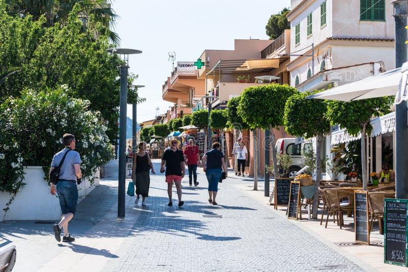 Sant wiązu miasto, urocza zakupy ulica w miasteczku San Telmo, obrazy royalty free