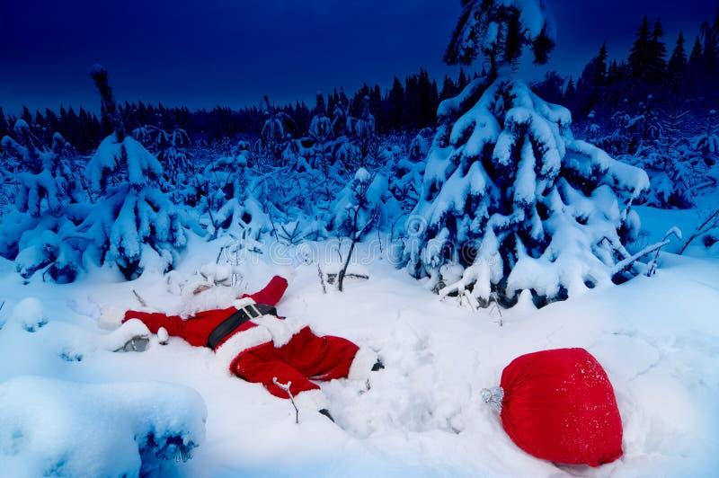 Santa caída na neve fotografia de stock royalty free