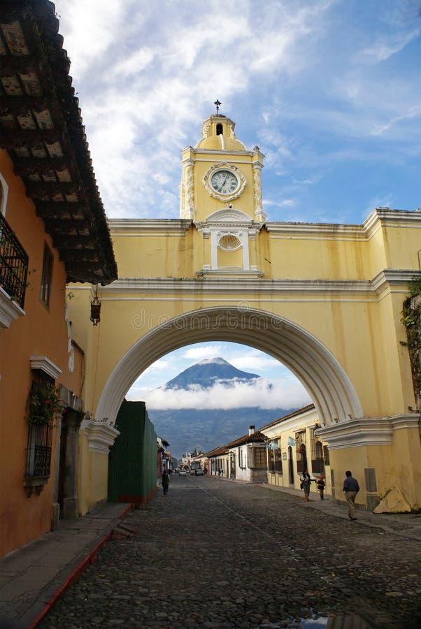 Santa Catalina Arch in Antigua Guatemala immagine stock