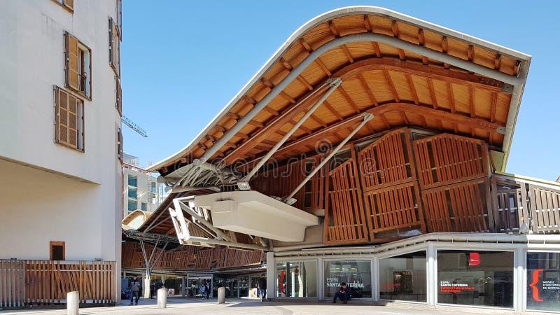 Santa Catarina Market exterior en Barcelona, Cataluña, España imágenes de archivo libres de regalías