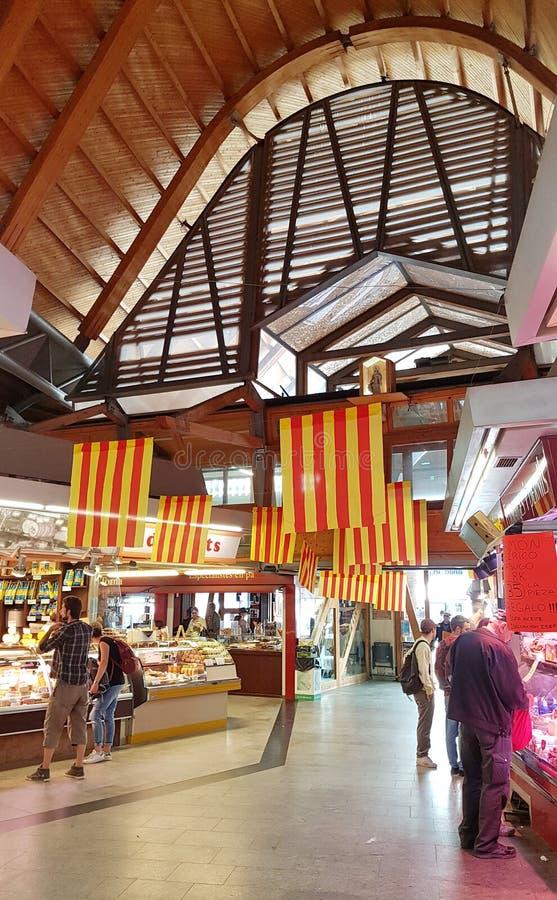 Santa Catarina Market interior en Barcelona, Cataluña, España foto de archivo libre de regalías