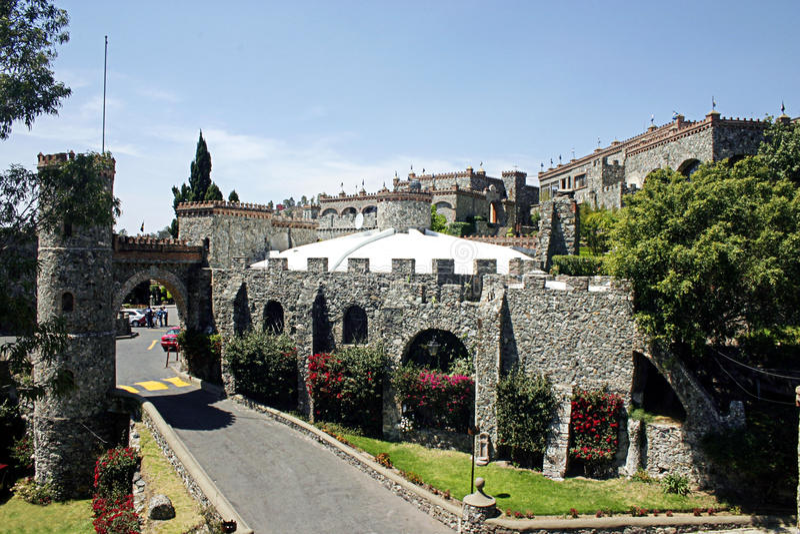 Santa Cecilia Castle lizenzfreie stockbilder