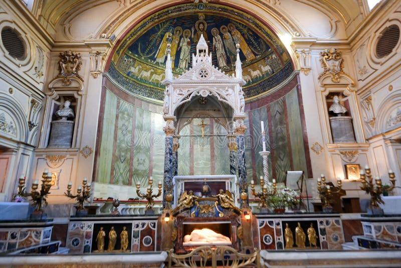 Santa Cecilia kyrka i Rome royaltyfria foton