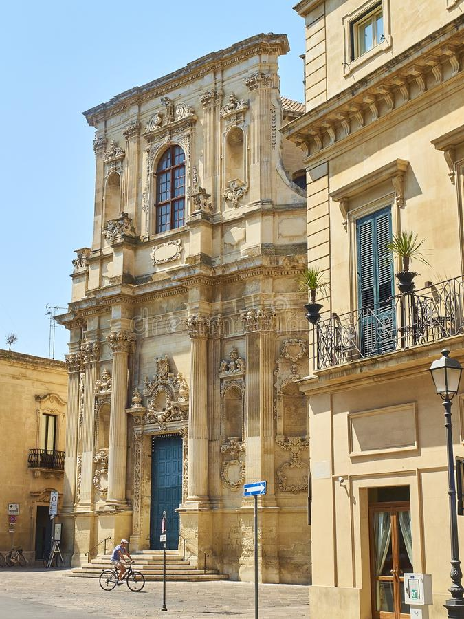 Santa Chiara-Kirche in Quadrat Piazzetta Vittorio Emanuele II von Lecce lizenzfreies stockbild
