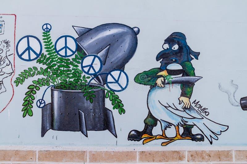 SANTA CLARA, CUBA - 13 FÉVRIER 2016 : Anti peinture murale de guerre en Santa Clara, Cu photographie stock libre de droits