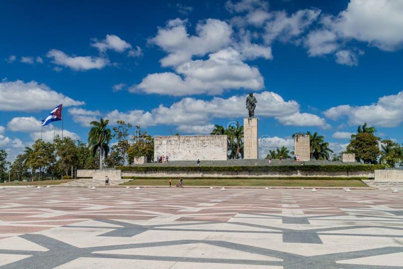 SANTA CLARA, CUBA - 13 FÉVRIER 2016 : Monument de Che Guevara de visite de touristes en Santa Clara, Cu image libre de droits