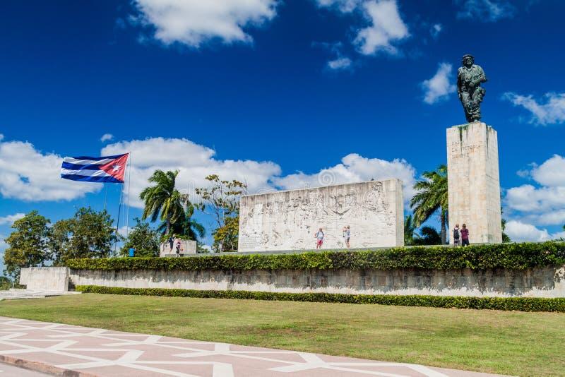 SANTA CLARA, CUBA - 13 FÉVRIER 2016 : Monument de Che Guevara de visite de touristes en Santa Clara, Cu images libres de droits