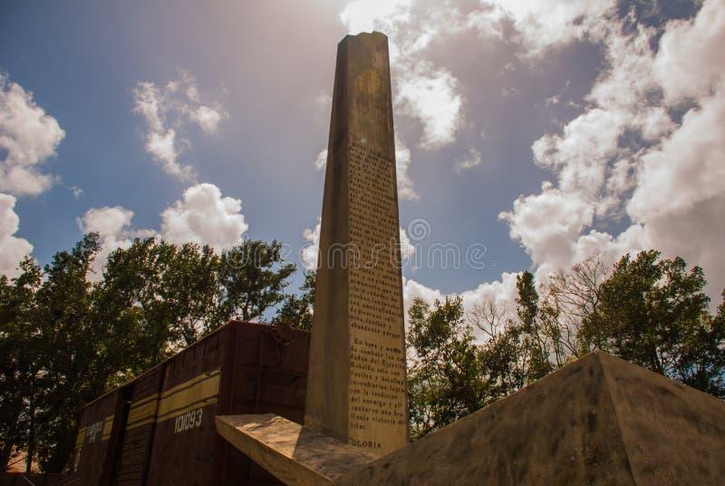 Santa Clara, Cuba : Le mémorial du train emballé avec des soldats de gouvernement a capturé par des forces du ` s de Che Guevara  images libres de droits