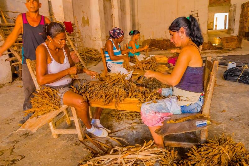 SANTA CLARA, CUBA - 8 SEPTEMBRE 2015 : Fait main images libres de droits