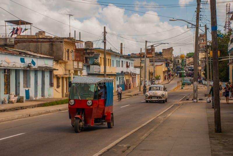Santa Clara, Cuba : Taxi-moto pour transporter des personnes au Cuba photographie stock libre de droits