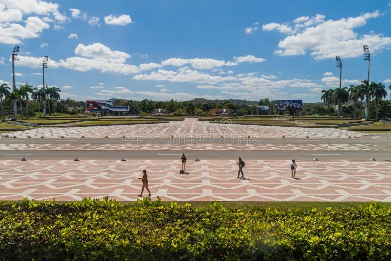 SANTA CLARA, KUBA - 13. FEBRUAR 2016: Freier Bereich vor Che Guevara-Monument in Santa Clara, Cu lizenzfreie stockfotos