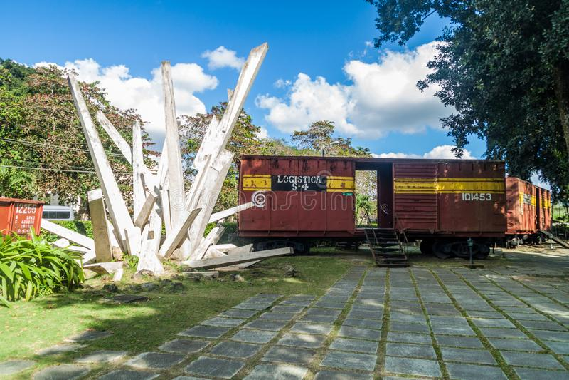 SANTA CLARA, KUBA - 13. FEBRUAR 2016: Monument zur Entgleisung des gepanzerten Zugs in Santa Clara, CUB stockfotos