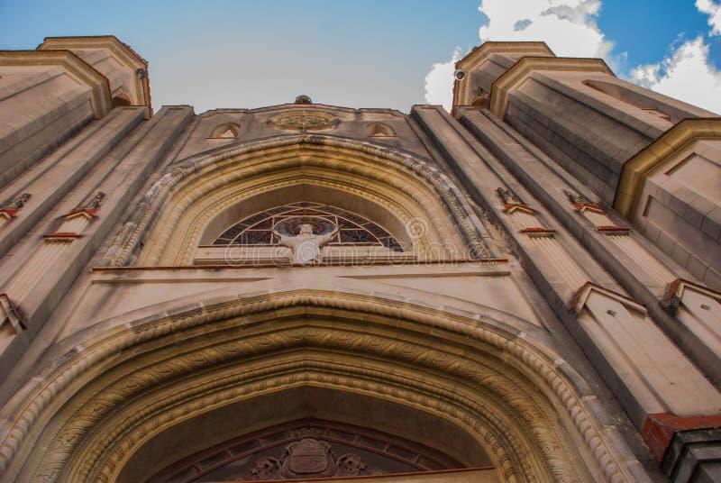 SANTA CLARA, KUBA: Katedra Santa Clara De Asis zdjęcie stock