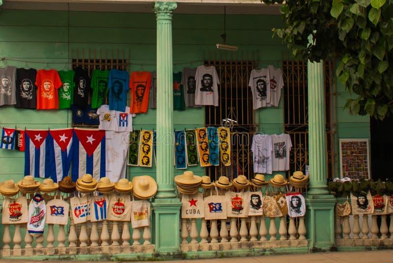 Santa Clara, Kuba: Rysować na domowym Che Guevara Bohater Kubańska rewolucja jest bohaterem narodowym wewnątrz po całym Kuba Jego obraz royalty free