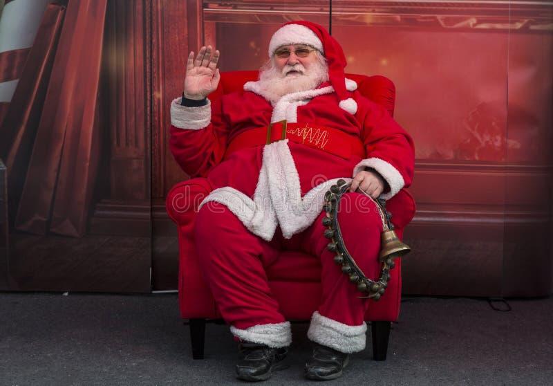 Santa Claus ankom i Zagreb, huvudstad av Kroatien royaltyfri bild