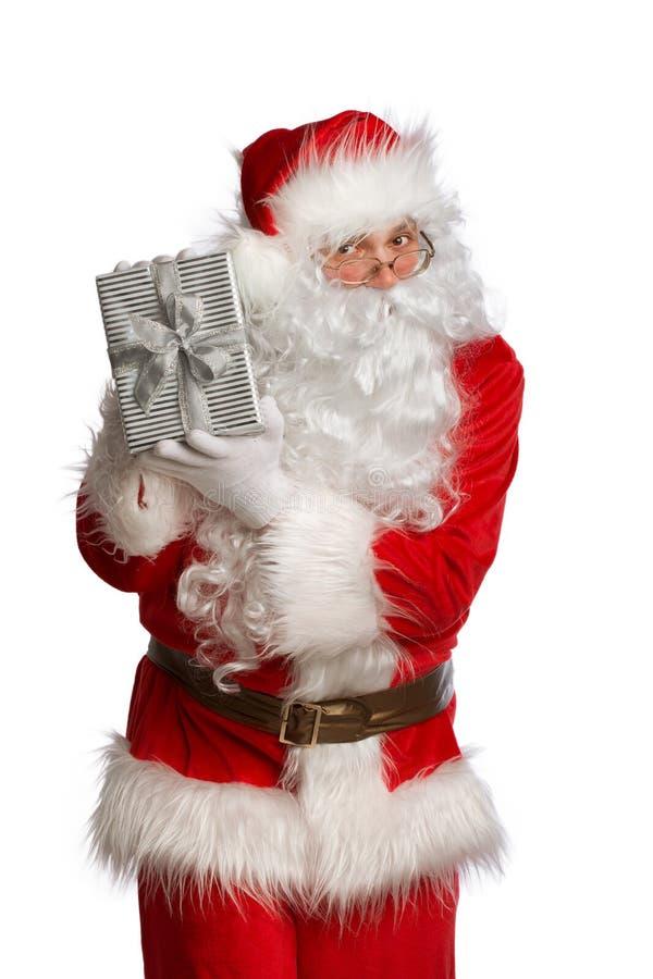 Santa Claus con un goftbox isolato su bianco fotografie stock libere da diritti