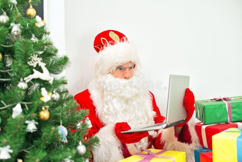 Santa Claus confusa imagen de archivo libre de regalías