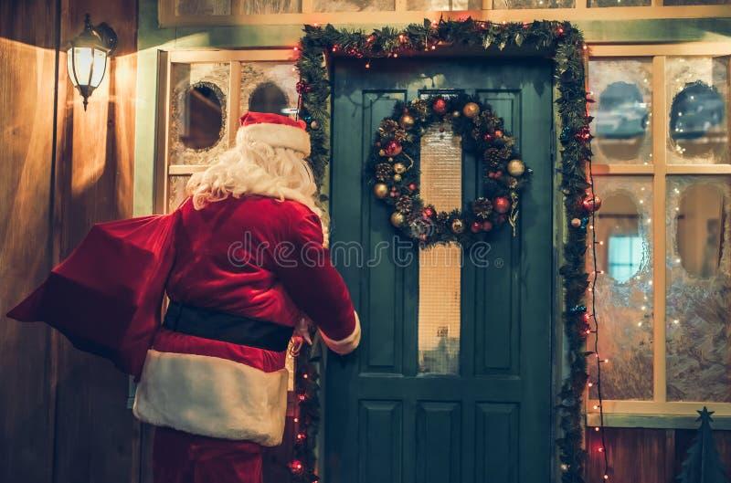 Santa Claus dehors images libres de droits