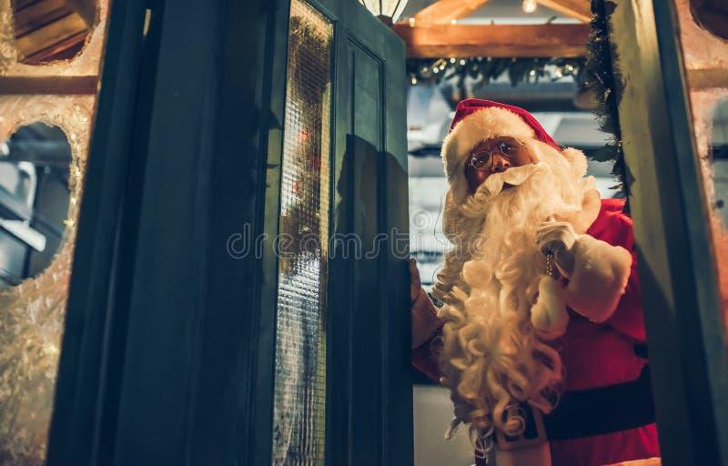 Santa Claus dehors photos libres de droits