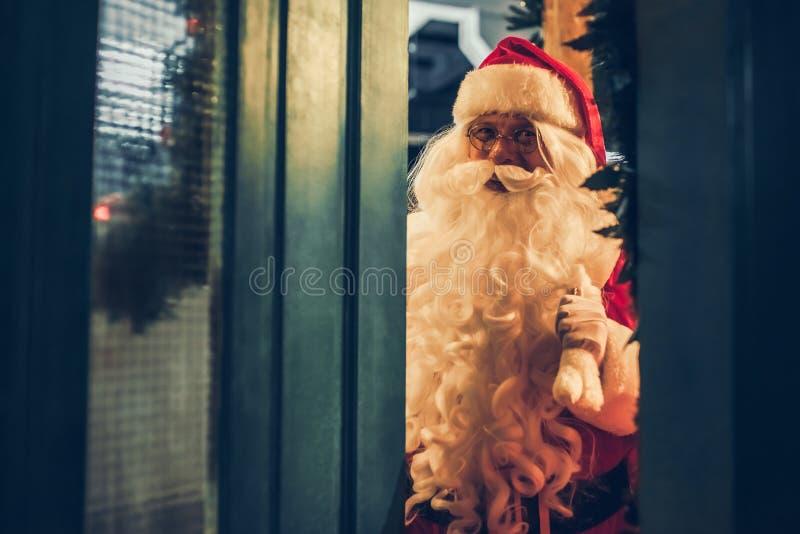Santa Claus dehors images stock