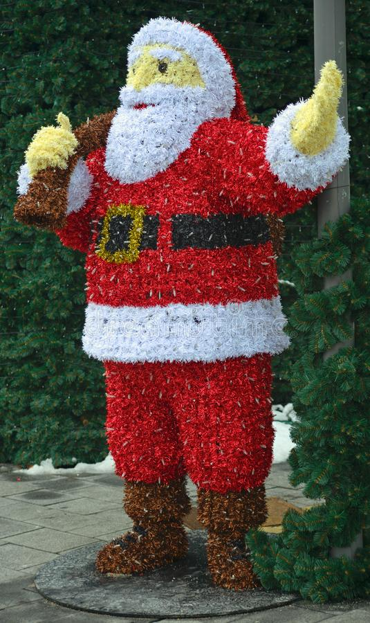 Santa Claus fez fora das decorações do Natal foto de stock royalty free