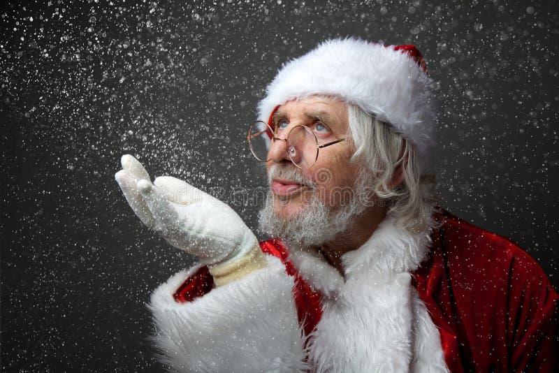 Santa Claus funde a neve imagens de stock royalty free