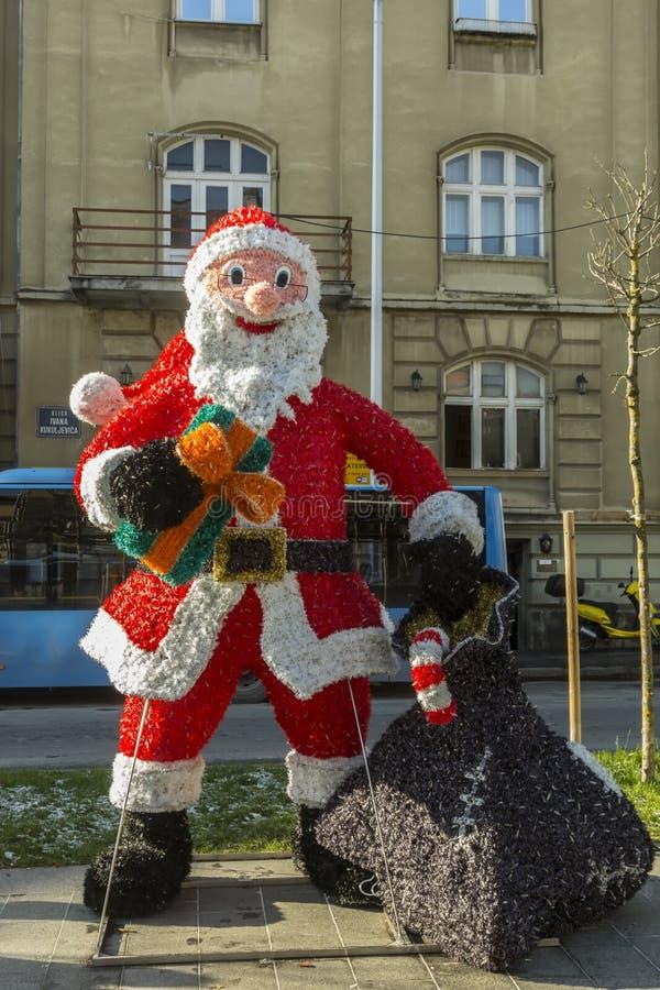 Santa Claus garnering i Zagreb, Kroatien royaltyfri bild